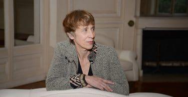 Caroline Lamarche, Dans la maison un grand cerf, Gallimard