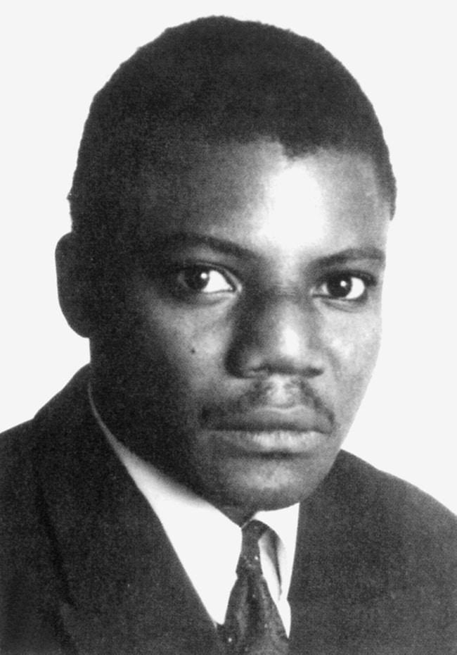 Yambo Ouologuem, Le devoir de violence