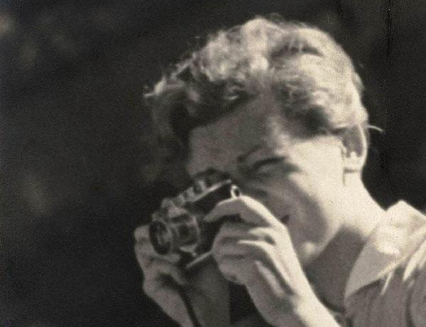 Helena Janesczek, La fille au Leica En attendant Nadeau