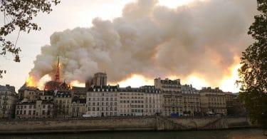 Thrène en l'honneur de Notre-Dame de Paris, par Stephen G. Nichols